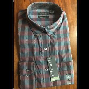M Van Heusen long sleeved dress shirt